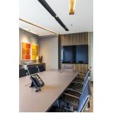 onde encontro espaço para reuniões de empresas em Carapicuíba